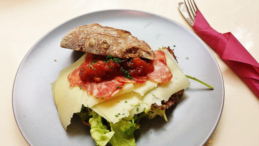 Liever Livar broodje - t Hof van Eten