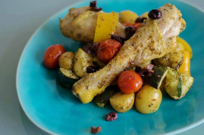 Kip met pesto en groente uit de oven