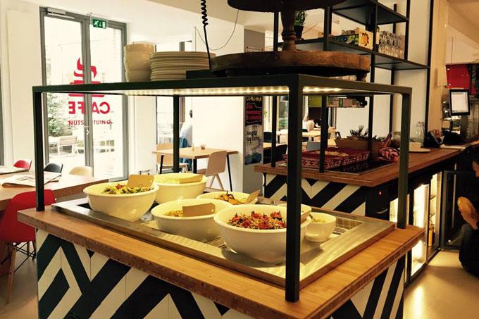 juni-cafe-buffet