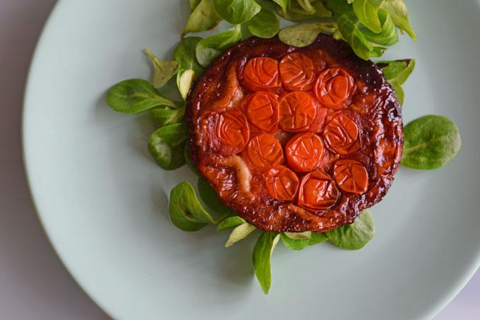 Mini-tarte-tatin-met-cherrytomaat