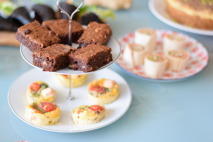 High tea brownies en quiches