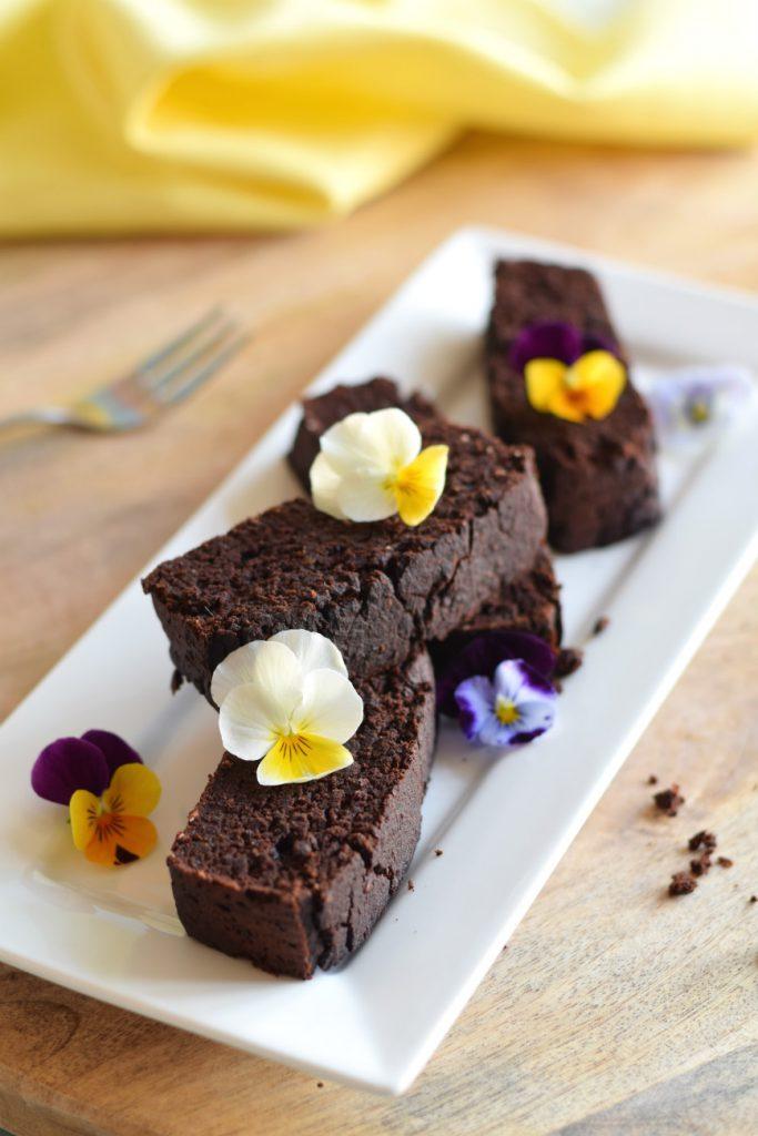 brownies van zwarte bonen en kokos S - Anniepannie.nl