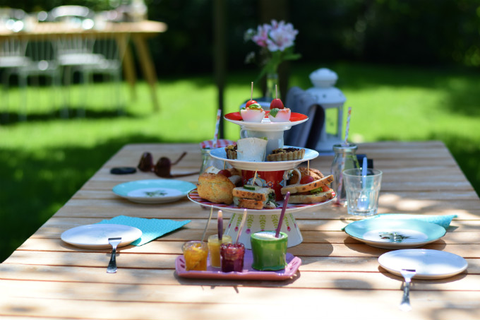 Hihahut high tea - Anniepannie.nl