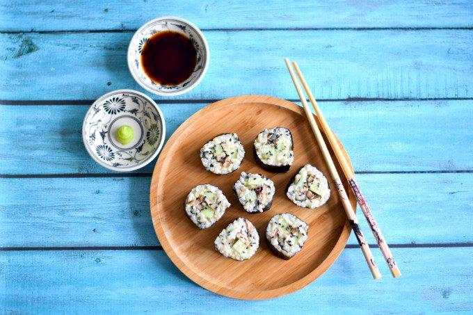 Shiitake sushi met komkommer en wasabimayonaise - Anniepannie.nl