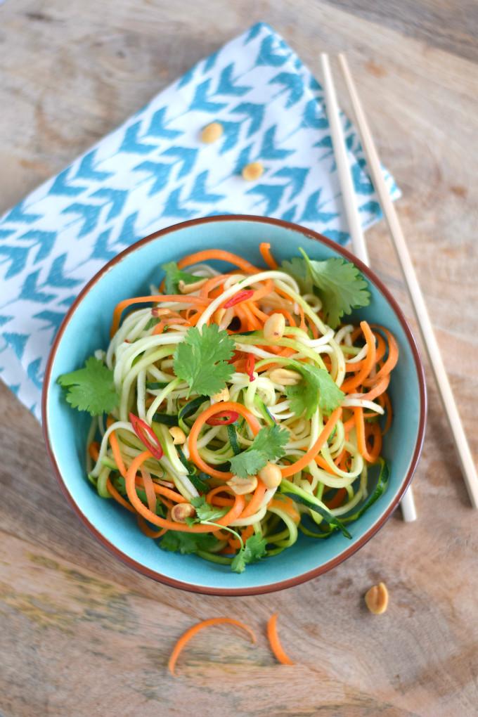 Vietnamese salade met courgette en wortel - Anniepannie.nl