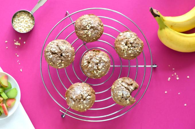 Rabarbermuffins met banaan en maple syrup - Anniepannie.nl