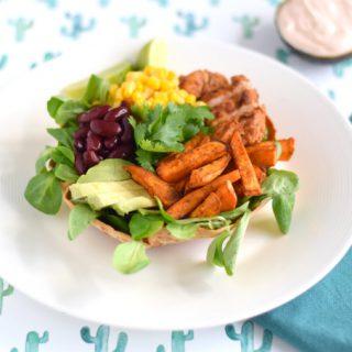Mexicaanse salade in eetbare bowl - Anniepannie.nl
