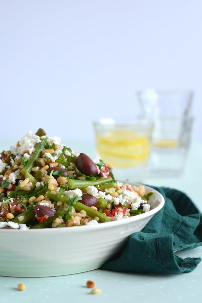 Orzo salade met sperziebonen olijven en feta - Anniepannie.nl
