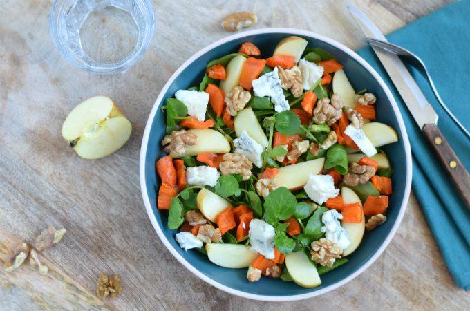 Salade met appel, gorgonzola en geroosterde wortel