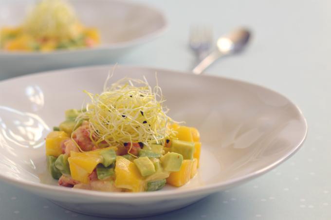 Tartaar van mango avocado en rivierkreeftjes - Anniepannie