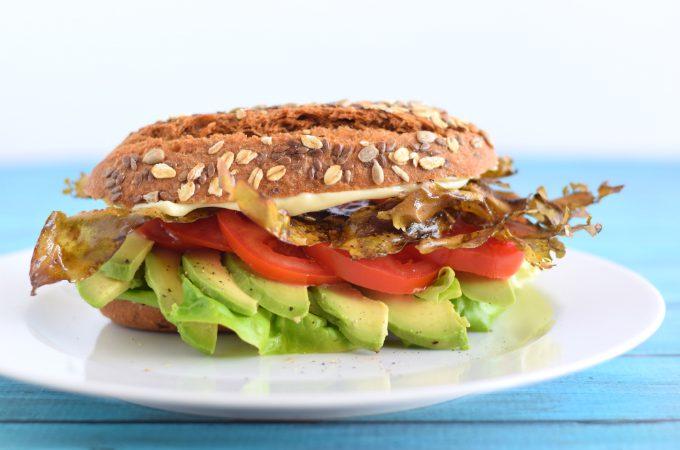 Vegan BLT met avocado en zeewierbacon - Anniepannie