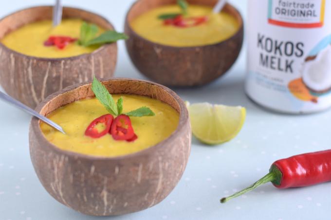 Koude mangosoep met munt en rode peper - Anniepannie