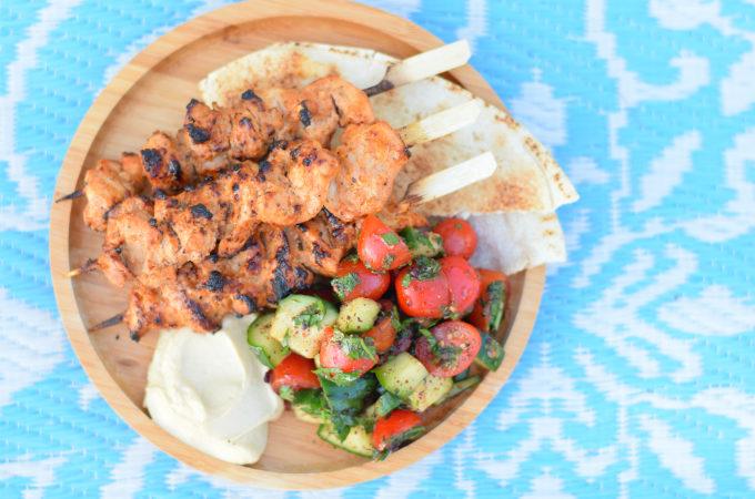 Libanese kipspiesjes met salade en hummus - Anniepannie