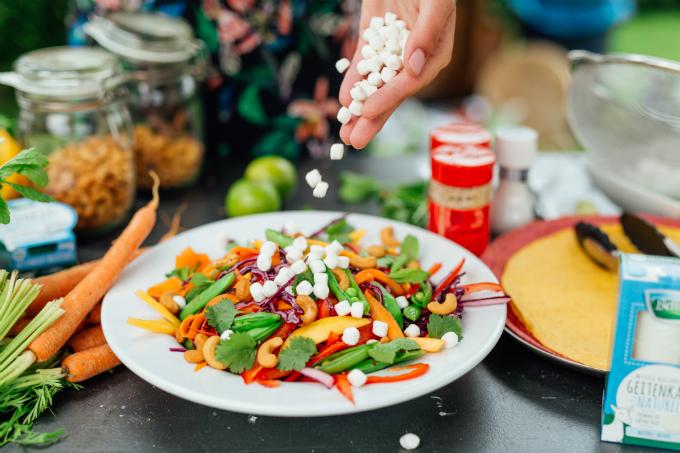 Regenboog salade met geitenkaas - Anniepannie