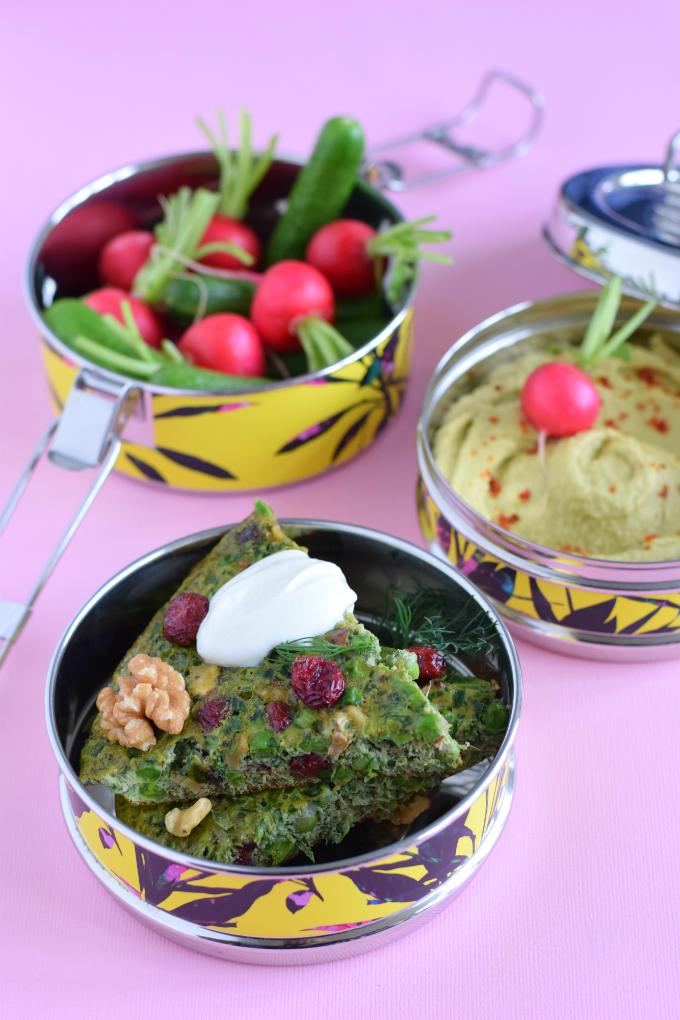 Iraanse kruidenomelet kuku sabzi in boho tiffin
