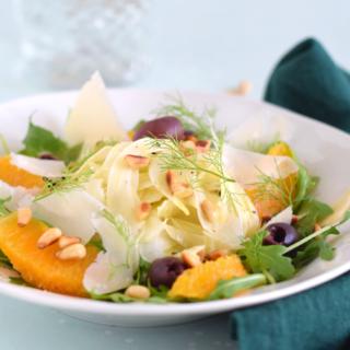 Venkelsalade met sinaasappel en olijven liggend - ANNIEPANNIE