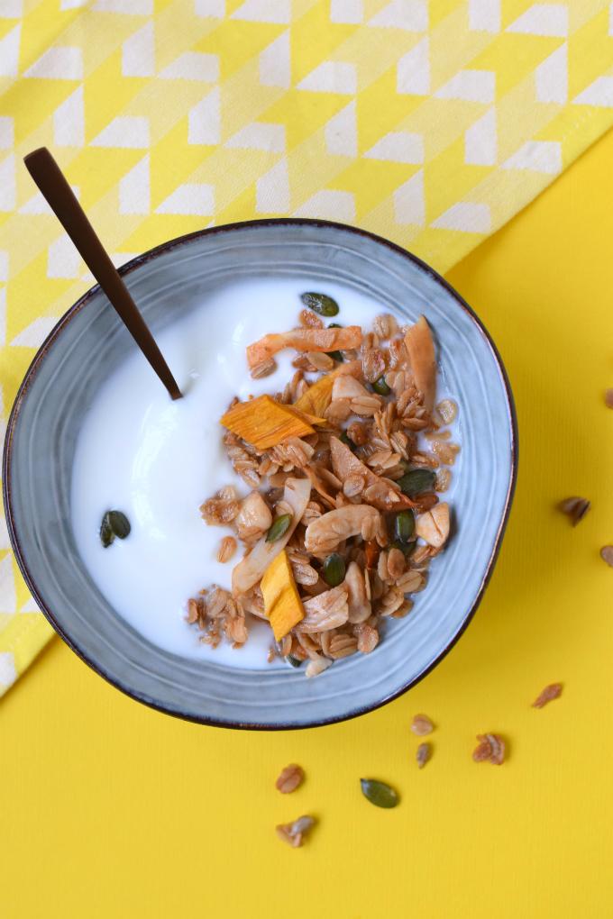 mango granola met kokos - ANNIEPANNIE