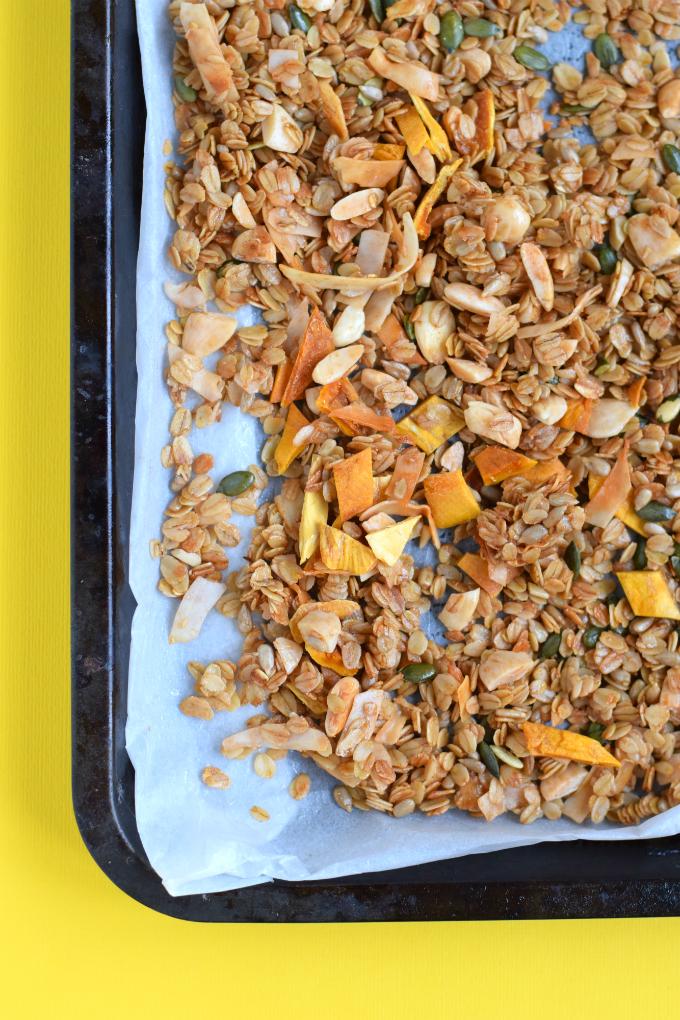 mango granola met kokos en amandelen - ANNIEPANNIE