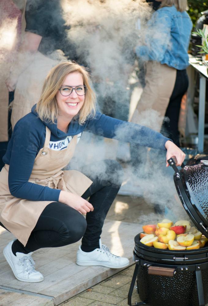 Appeltjes op de barbecue - foto: Eva de Vries van Eefkooktzo