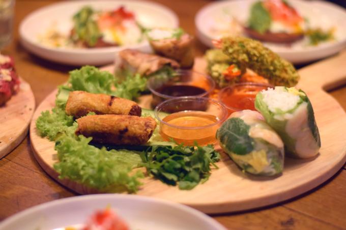 Vietnamese snacks in de Down Town Gourmet Market in Eindhoven