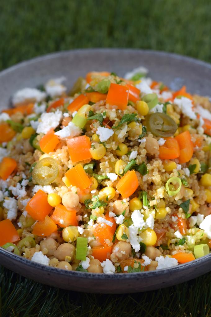 Superfood salade met oranje paprika en quinoa - ANNIEPANNIE