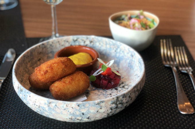 geitenkaaskroketjes-restaurant-the-living-room-RestaurantKaart Restaurant Den Haag Uit eten