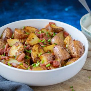 Gebakken aardappels met spek | Bratkartoffeln - ANNIEPANNIE.NL