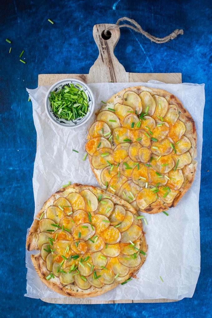 Platbroodpizza met aardappel (Roseval) - ANNIEPANNIE