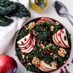 Salade van cavolo nero met appel en walnoten