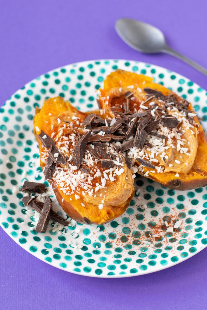 Gepofte zoete aardappel als ontbijt