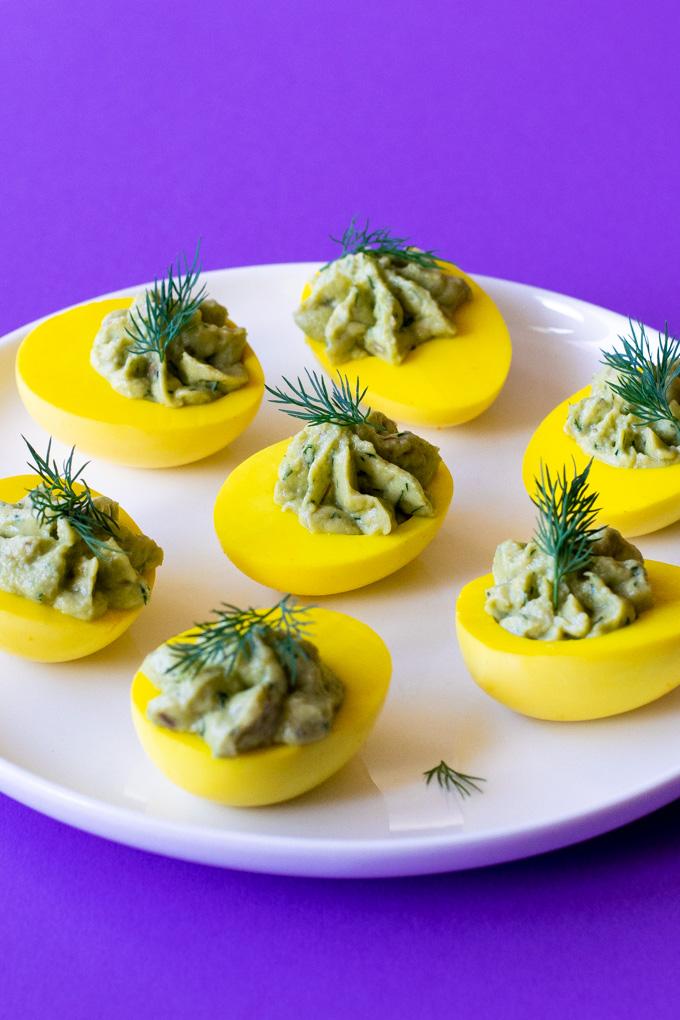 Gevulde eieren met avocado en dille - ANNIEPANNIE.NL