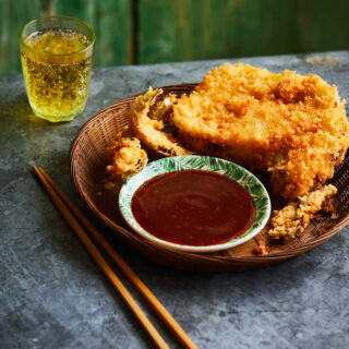 Vegan katsu curry van bloemkool