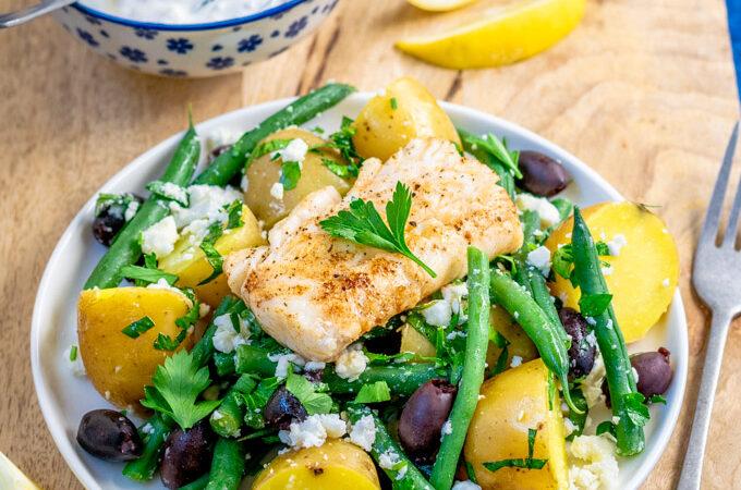 Griekse aardappelsalade met sperziebonen en gebakken vis - ANNIEPANNIE