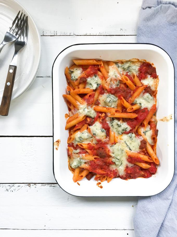Pasta met worst en gorgonzola uit de oven - ANNIEPANNIE